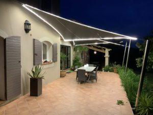 Toiles d'ombrage sur poteaux Inox 316L avec éclairage LED